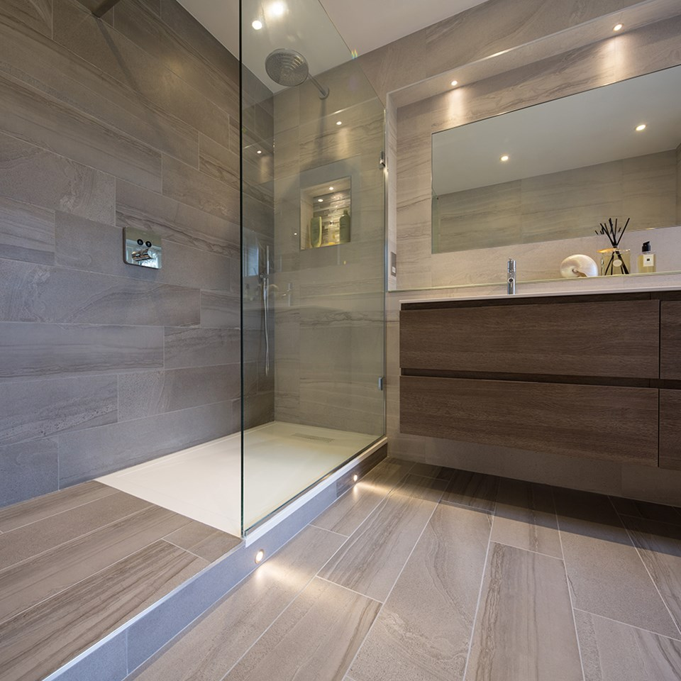 Long bathroom tiles - Large Format Tiles For A Big Impact