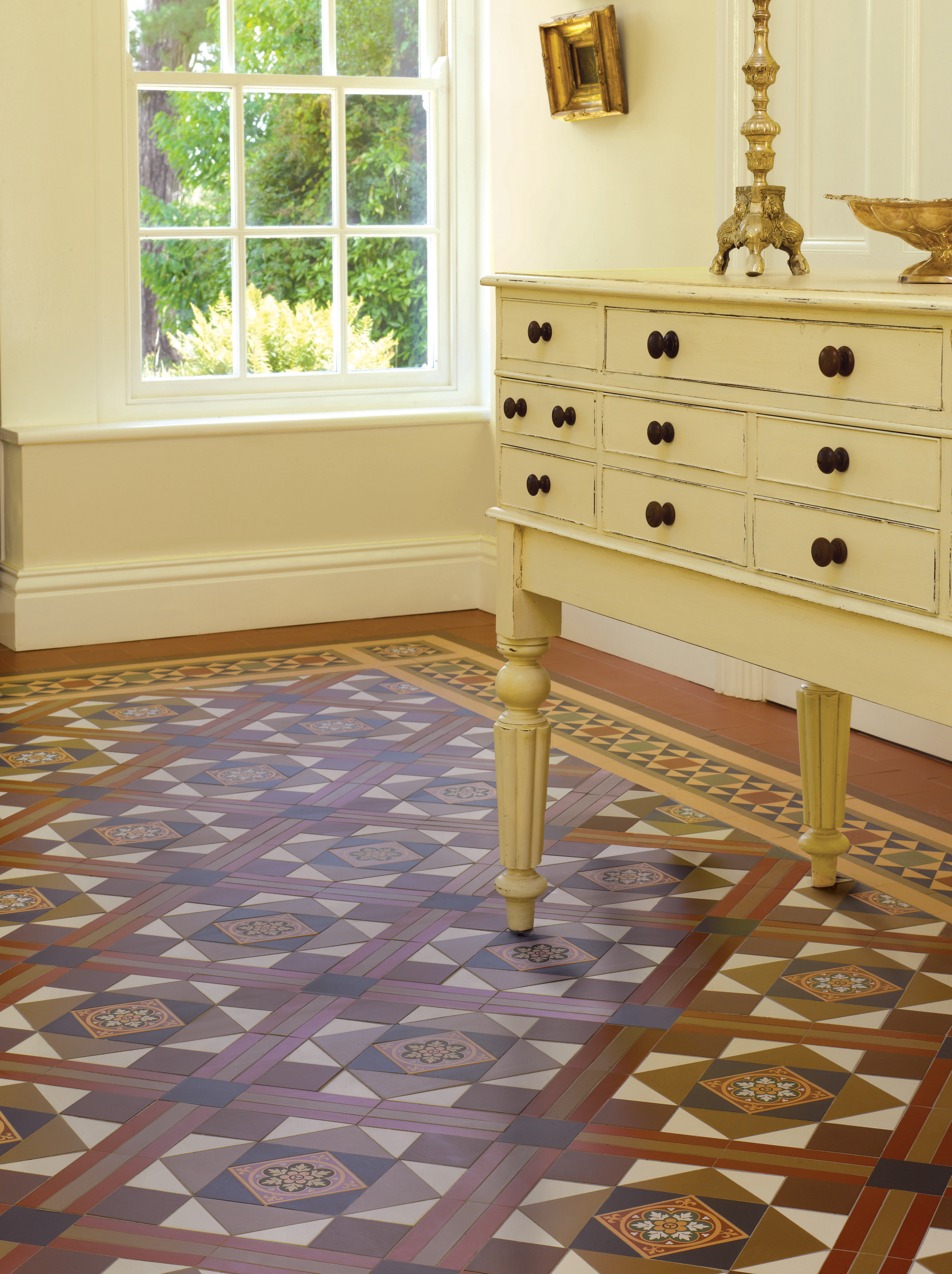A warm welcome a guide to choosing hallway tiles lindisfarne pattern from the victorian floor tile range dailygadgetfo Images